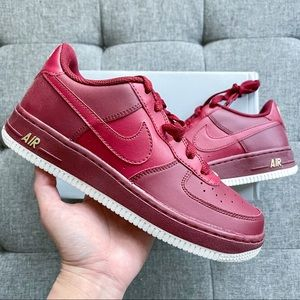 ❤️💛 Nike Air Force 1 red leather shoes